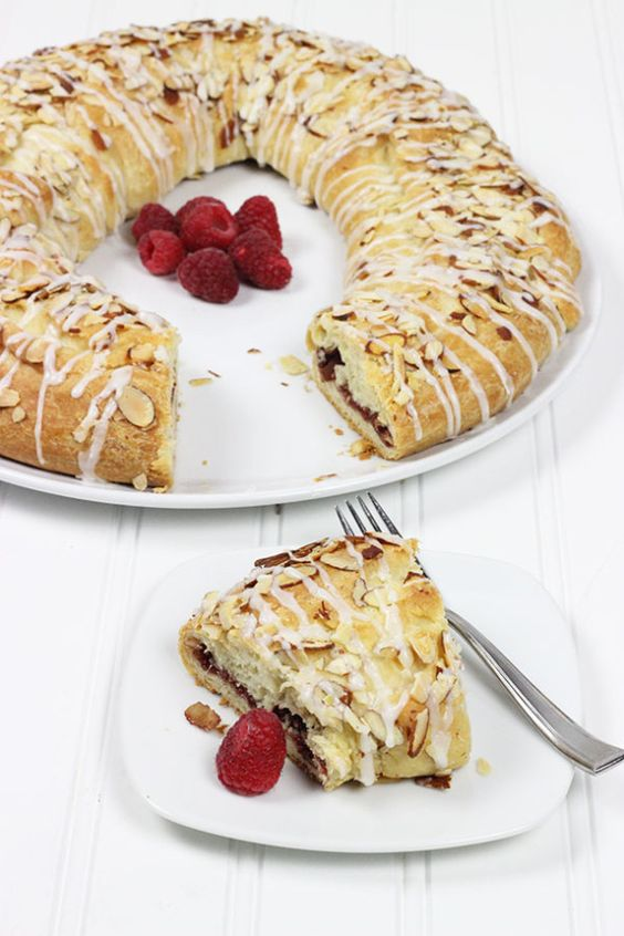 Raspberry Almond Kringle--click for recipe from Spiced!