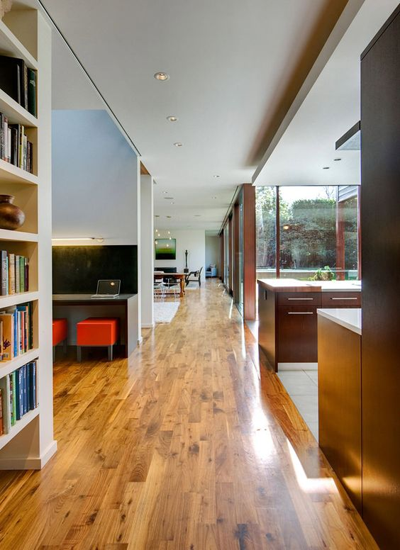 Esta casa dos sonhos, batizada de Broadmoor Residence, é um projeto do escritório David Coleman Architecture. Adoramos projetos um pouco mais acessíveis e