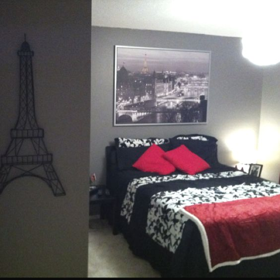 Paris inspired room for Taylor she would love this