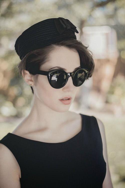 How to Wear a Pillbox Hat - Amanda of Styleynn