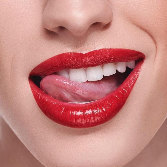 Pin By Ahmad Saad On Lips Tongue In 2020 Red Lip Makeup Red