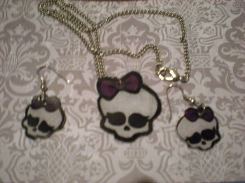 Monster high skull shrinky dink jewelry-My first craft posting - JEWELRY AND TRINKETS