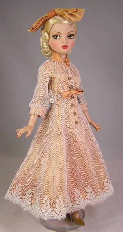 ellowyne wilde beautiful lace dress