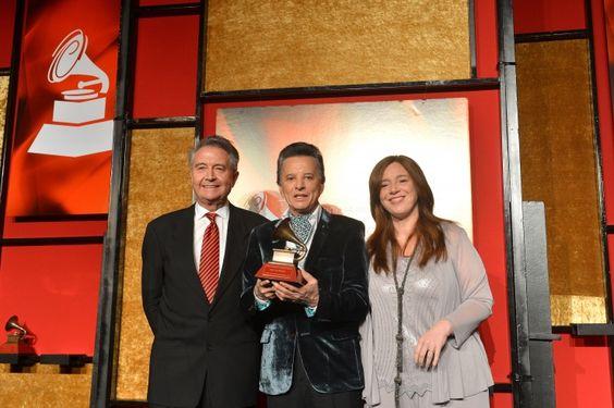Manolo Diaz, Palito Ortega y Laura Tesoriero: Grammy Awards, Laura Tesoriero, Awards Premios, Especiales 2013, 14Th Annual, Diaz Palito, Manolo Diaz, Annual Latin