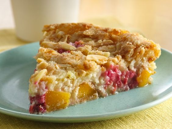 Impossibly Easy Peach and Raspberry Pie #GlutenFree