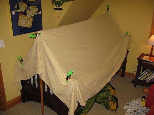 Tent beds and toddler bed tent on pinterest for Diy baby crib canopy