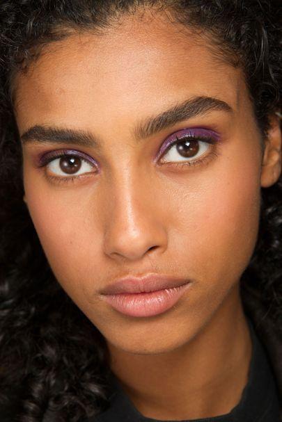 Sombras coloridas vindo com tudo para a Primavera/Verão 2017! | Beautylist.com.br