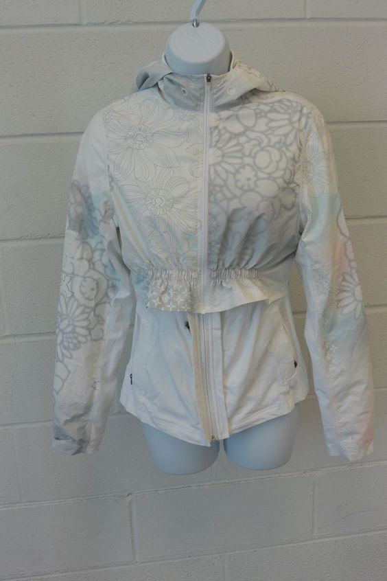 LULULEMON White Pastel MIX A LOT Dance Short Cropped Rain Jacket