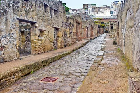 Herculaneum, Italy: explore the ancient Roman site of Herculaneum ... www.italythisway.com - Street through ruins of ancient city