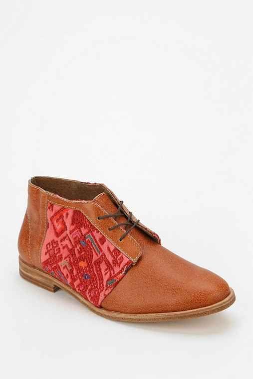 $79 Osborn Salak Chukka Boot - Urban Outfitters