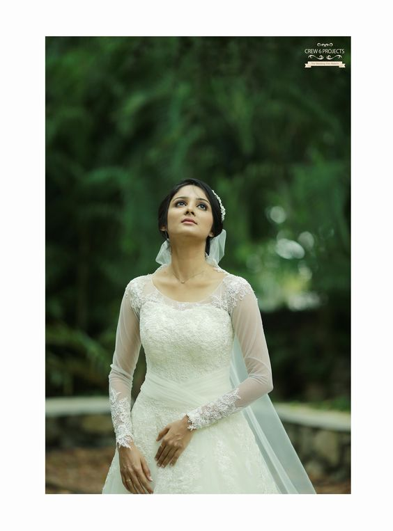 Christian Wedding Gowns In Kerala Wedding Dresses Asian