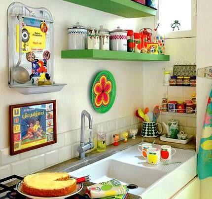 Colores para alegrar la vista! nos encanta esta cocina  #mueblesdecocina #encimeras