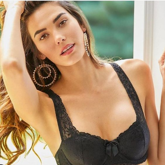 Cuban Model Rachell Vallori is a perfect Supermodel Actor to Know About