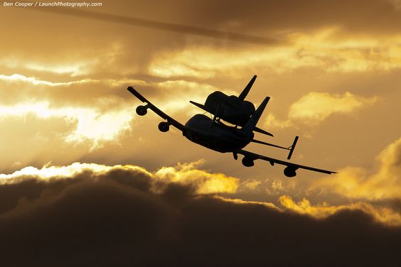 Shuttle Discovery leaves Kennedy Space Center on its way to the Smithsonian.