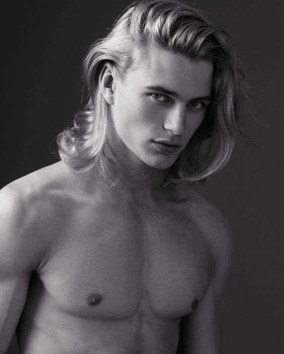 Tagli capelli uomo lunghi