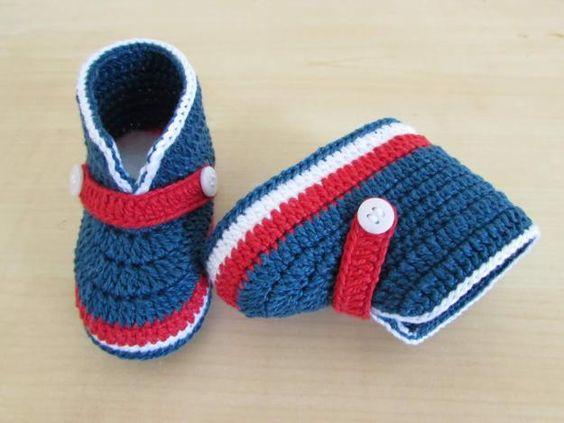Zapatitos tejidos a crochet para bebes