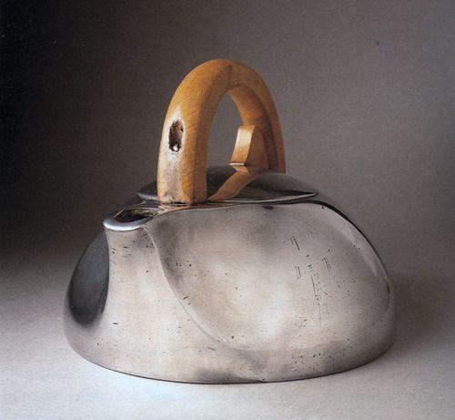 homepagebyvanillacrash:    elegant kettle.  jamiemclellan:    Alfred Edward Burrage  Wow! I want a kettle like this…