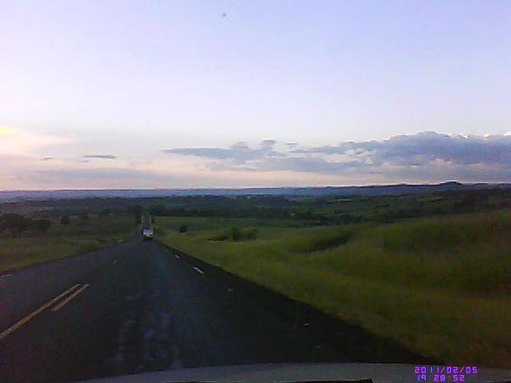 Viagens - Interior de Minas Gerais - Céu e Estrada