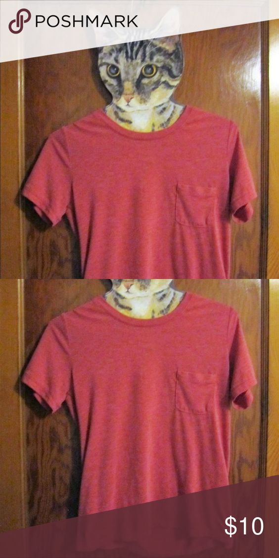 Pink tee Super cute, only worn once! I've just never been one for red tones.. Tops Tees - Short Sleeve