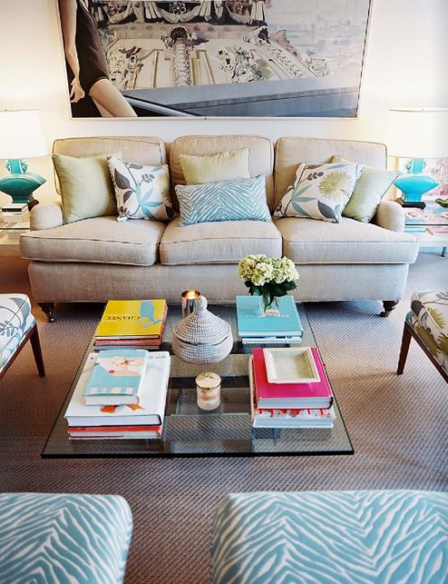 Trendy Transitional Living Room