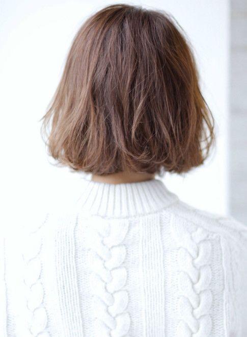 大人かわいい くせ毛風ゆるかわボブ 髪型ボブ 短い髪のためのヘアスタイル 美髪 ボブ