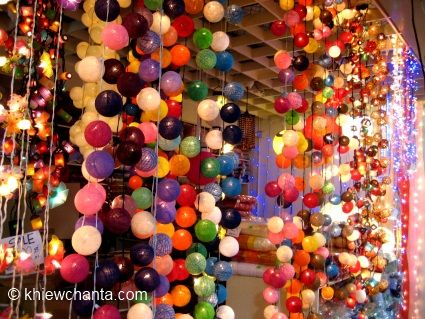 Want these lights as holiday souvernirs: riot-of-colours-lighting.jpg: Paradise Reminders, Gloomy Weather, Lighting, Vm Inspiration, Arqui Diseño, All The Inspiration, Holiday Souvernirs, Diseño Displays, Vasanthi Universe