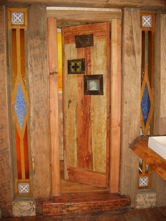 Puertas Para Baños De Fierro:Puerta interior de baño de roble rustico con ventanas de fierro