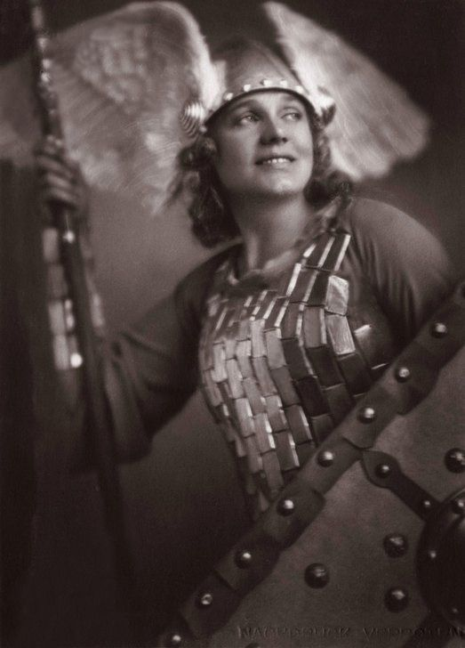 Maria Jeritza As Brunhilde 1930 Opera Singers Historical Photos Singer