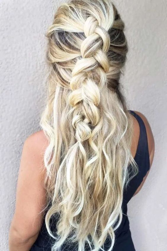 Curly Hairstyles On Saree Curly Hairstyles For 30 Year Old Woman Curly Hairstyles Extension In 2020 Braided Hairstyles Easy Hairstyles For Long Hair Easy Hairstyles