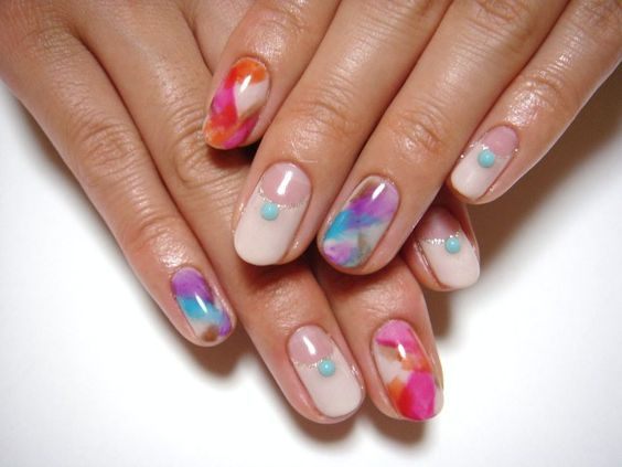 Spring nail in vivid color: