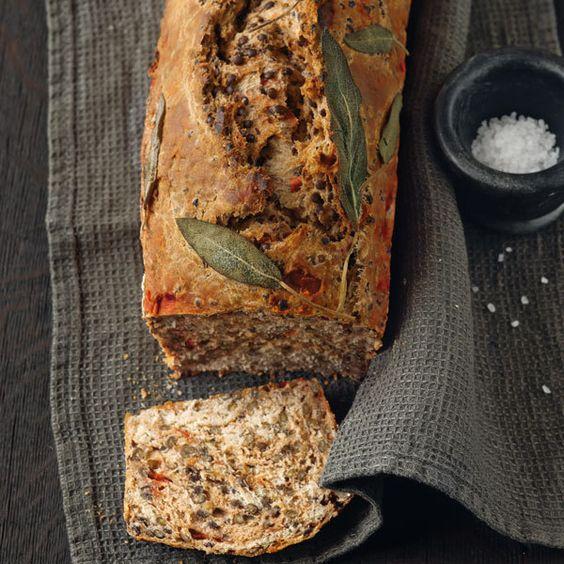 Besonders gut schmeckt das Brot belegt mit hauchdünn geschnittenem kaltem Braten.