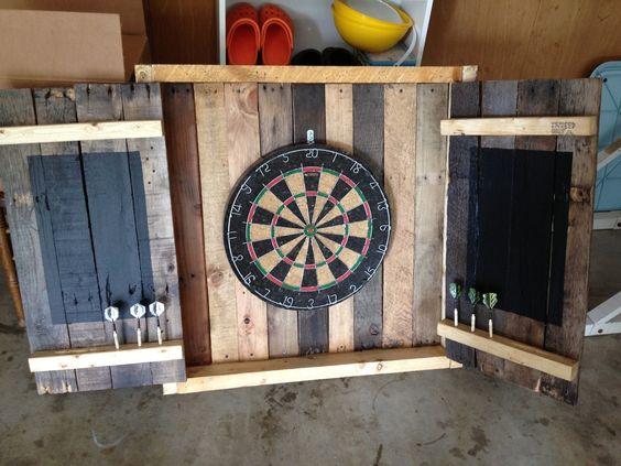 Fl chettes projets en bois de palette and palettes on pinterest - Jeu de flechette en bois ...