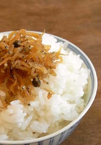 Chirimen-zansho, boiled small fish (sardine) and berries of sansho (Chinese peppers) ちりめん山椒