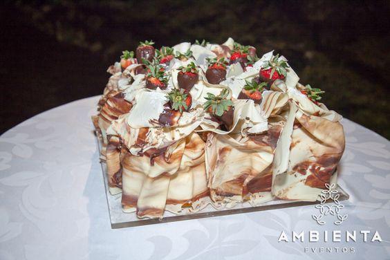 Bolo de noivos feito pela Flor de Aveiro