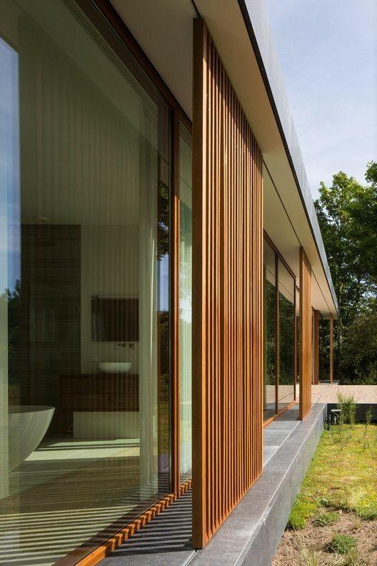 permasalahan pintu kayu