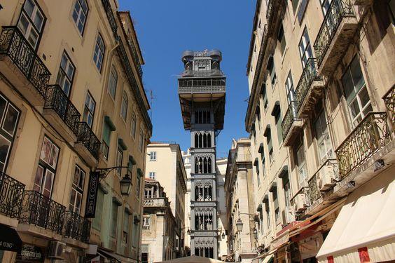 Der Elevador de Santa Justa in #Lissabon | Elevador de Santa Justa in #Lisbon #Portugal