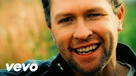 Music video by Craig Morgan performing That's What I Love About Sunday. (C) 2006 Broken Bow Records