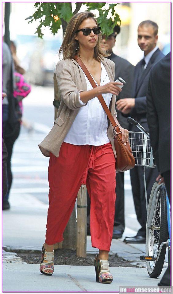 Pregnant Jessica Alba Leaving Her New York Hotel