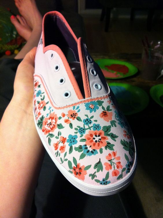 Peace, Love, Pliers: DIY Painted Shoes