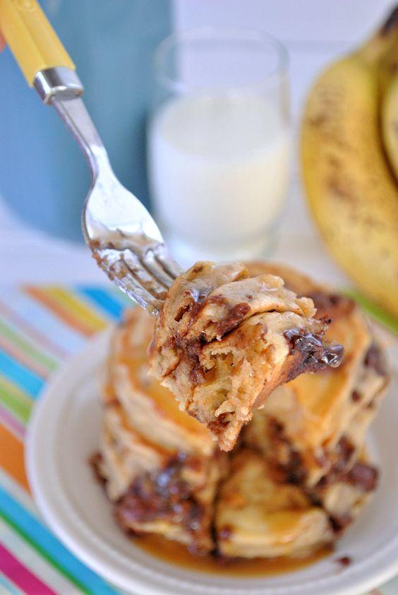 Peanut butter cup banana pancakes: Peanut Butter Banana, Banana Crazy, Banana Pancakes, Cup Pancakes, Half Bananas, Peanut Butter Cups, Breakfast Anytime