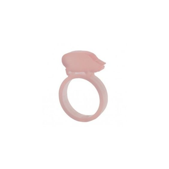 Pig ring ($8.89) ❤ liked on Polyvore featuring jewelry, rings, accessories, acrylic jewelry, laser cut acrylic jewelry, acrylic rings, lucite ring and lucite jewelry