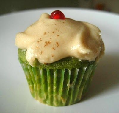 pomegranate + matcha = pomatcha.  what a delicious looking summer cupcake.