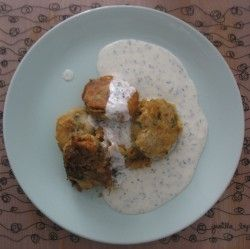 Falafel de garbanzos con salsa de yogur. Receta (recipe, recipe), comida (food, food)