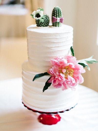 Fun Southwestern inspired cake: http://www.stylemepretty.com/arizona-weddings/paradise-valley/2015/07/09/colorful-mexican-heritage-inspired-wedding/ | Photography: Rachel Solomon - http://rachel-solomon.com/: