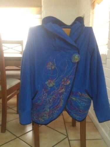 Talla M/L con capucha y en azul rey. Maravilloso. Atacama-Chile