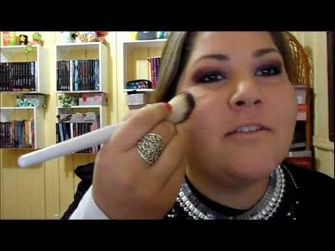 Assista esta dica sobre Tutorial de Maquiagem - Olhos gordinhos (parte 2) e muitas outras dicas de maquiagem no nosso vlog Dicas de Maquiagem.