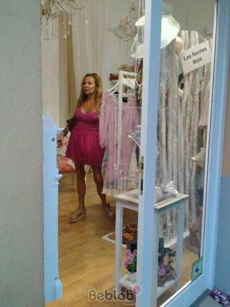 Ana Obregon de compras por Ibiza avistada en Beblab