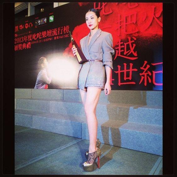 2013年度叱咤樂壇頒奬禮 Special thanks   Wardrobe : Louis Vuitton #LV  Shoes : Christian Louboutin