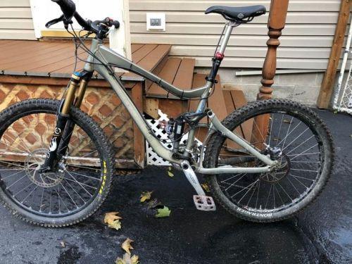 Buy 2010 Giant Reign Full Suspension Mountain Bike Medium Full Suspension Mountain Bike Bicycle Full Suspension