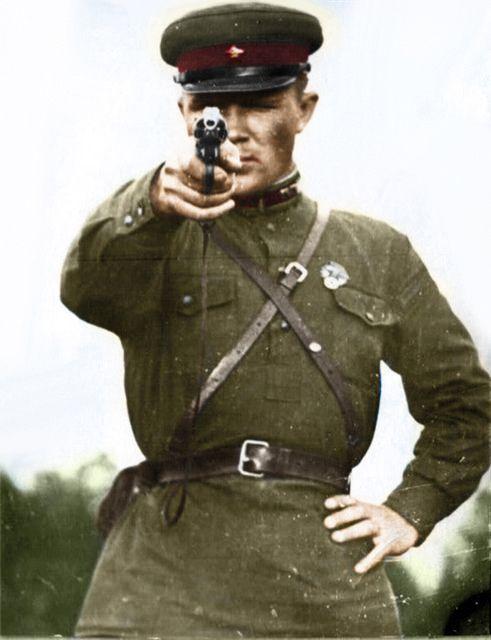 Солдат ебет офицера фото 79-183